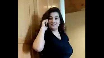 Полная бабушка в темном наряде занимается сексом с мохнатым хахалем