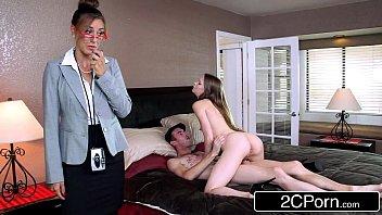Пышногрудая жена захотела секса