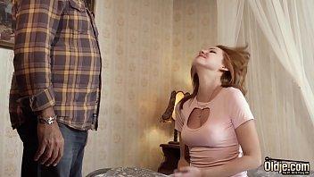 Русский бойфренд дарует чувственный секс рыжеволосой красавице